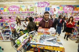 andre-johnson-christmas-toy-giveaway