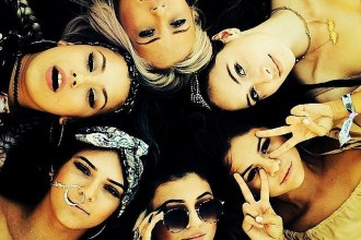 Selena-Gomez-had-Coachella-fun-Kylie-Kendall-Jenner