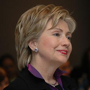300px-Sen._Hillary_Clinton_2007_denoise