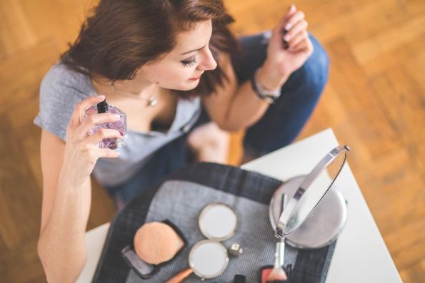 woman makeup perfume