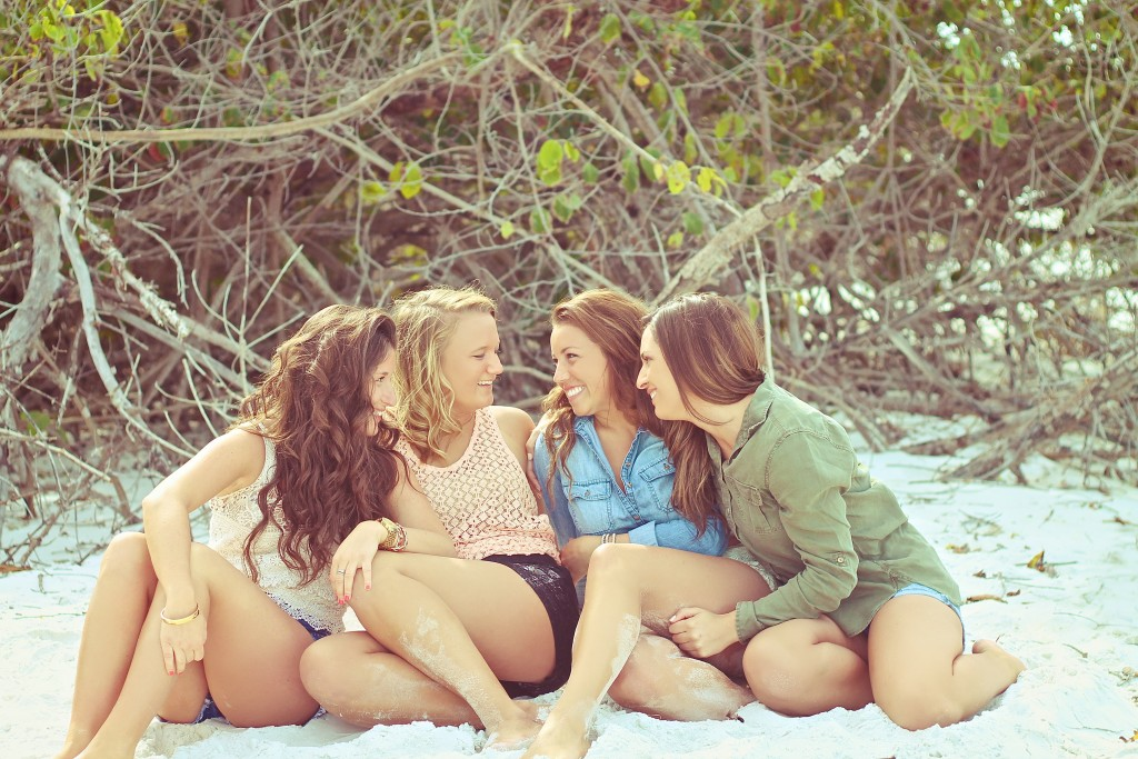 girls-hanging-out