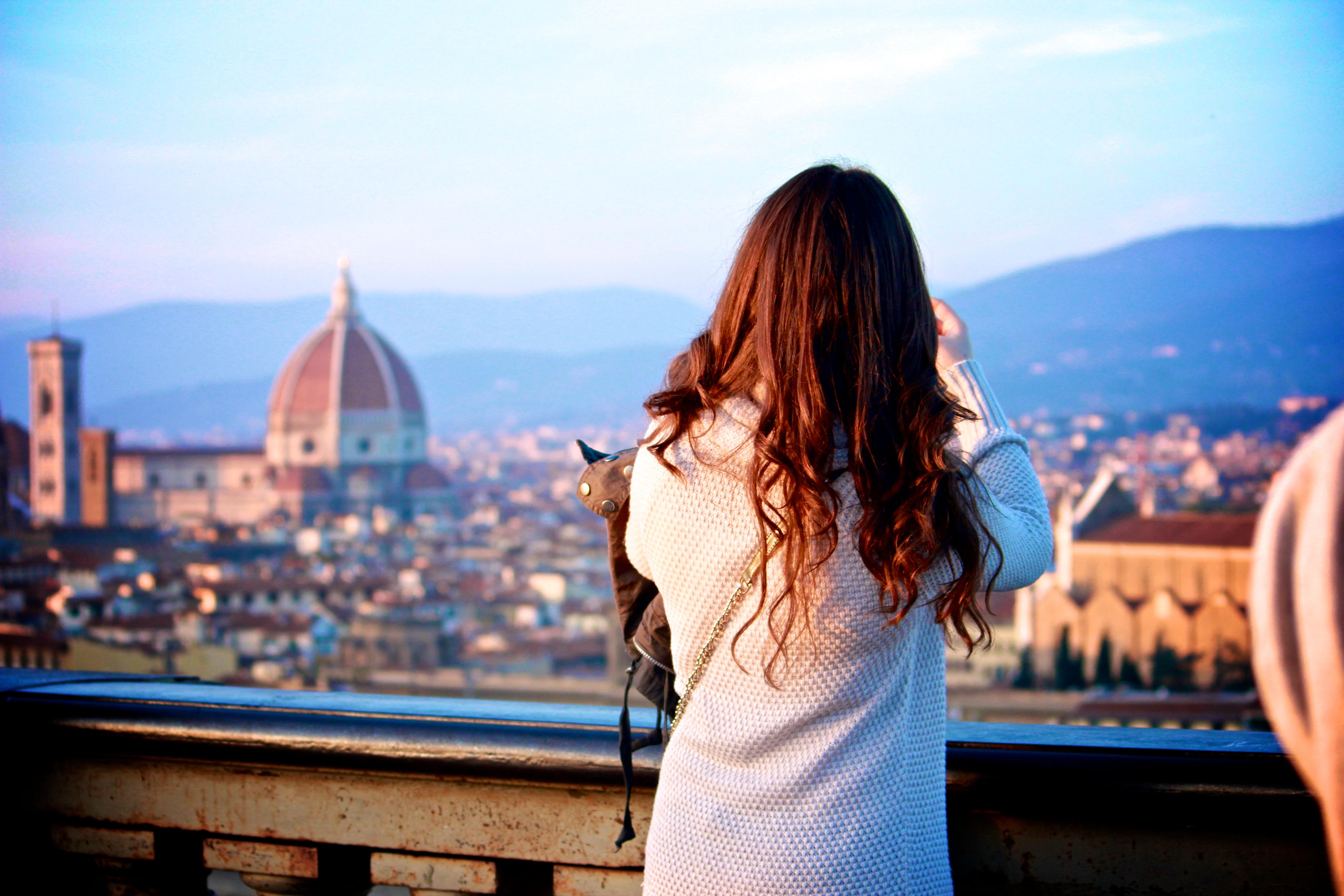 smart girls study abroad