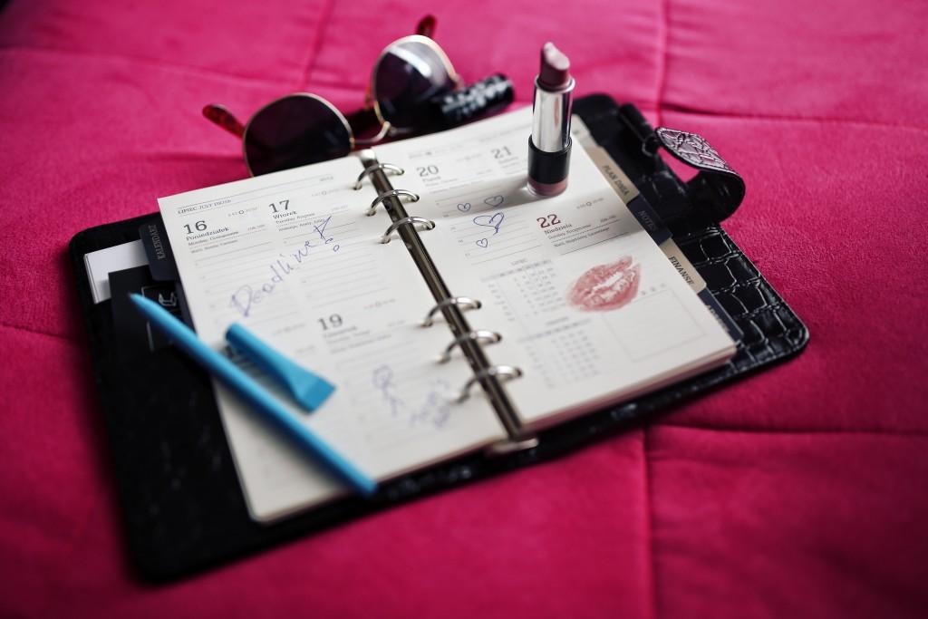 kaboompics.com_Organizer calendar