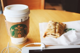 starbucks-and-headphones
